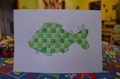http://www.audina.cz/2012/12/vanocni-prani-pletene-z-prouzku-papiru/  Vánoční přání – pletené z proužků papíru      proužky papírů 1 cm široké     kousek čtvrtky – A5     čtvrtka A4 – (přeložíme)     lepidlo