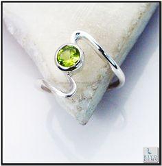 925 Sterling silver handmade peridot Silver Ring by www.riyogems.com Riyo Gems