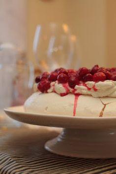 cranberry- vanilla pavlova