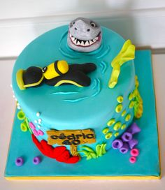 Delicious - Scuba diving cake    https://www.facebook.com/pages/Oooh-My-Cake-happy-day/239410712736020