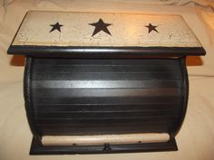 Primitive Crackle Wood Roll Top Bread Box ~ Black Stars ~ Country Farm Decor