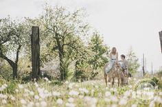 http://dreameyestudio.pl/  #dreameyestudio #horse #weddding #photosession #engagement #rustical #nature #flowers #fun #happy #boyandgirl