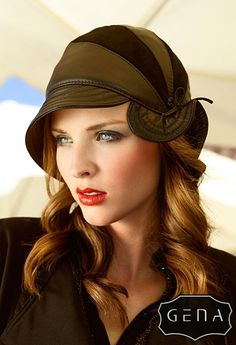 Pawie oko hat by GENA, made of leather and velour. Very stylish decoration of your head.