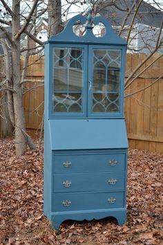 Items similar to SOLD// Vintage Secretary Desk Hutch hand painted with Chalk Paint(TM) by Annie Sloan on Etsy Painted Secretary Desks, Antique Secretary Desks, Secretary Desk With Hutch, Desk Hutch, Secratary Desk, Desk Redo, Refurbished Furniture, Upholstered Furniture, Unique Furniture