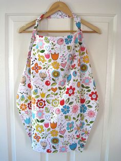 Pretty Nursing Cover - Flowers