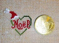 """Grille point de croix offerte .pdf """"Petit coeur"""" Ainsi qu'un très joli carillon de Noël."""