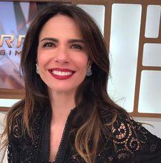 Saiba onde encontrar o look de renda usado por Luciana Gimenez no 'Superpop'