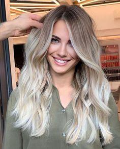 Blonde Hair Inspiration, Blonde Hair Looks, Blonde Hair Shades, Balayage Hair, Blonde Balyage, Light Blonde Balayage, Gorgeous Hair, Beautiful, Dyed Hair