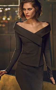 Whn u need a FAB suit for business cocktail pty ~ but, sorry not appropriate 4 work @ corporate offc., unless u r in the business of GLAM... even bare shoulders, clavicles & sternum r too distracting for a business mtg! (Needs one N.B. piece of jewellery: How about some chandelier or sensual shoulder-duster earrings? Donna Karan. Frm bd: Looking good, feeling fine