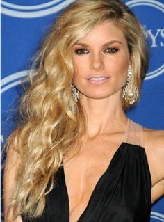 Hair and Make-up by Steph: Trends I Love: Side Swept Hair