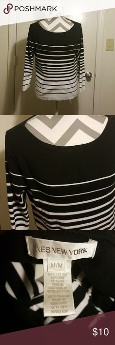 Jones New York Striped Sweater In great condition.  3/4 black and white sleeves.  100% cotton Jones New York Sweaters