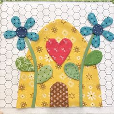 My block is ready for hand appliqué. I love the little tips @beelori1 has given us. Hope everyone can join this sew along at the end of August! #beehappy #beeinmybonnet #quilts #beehappysewalong #beehive #applique #beebasics #rileyblakedesigns