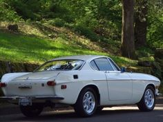 1971 Volvo P1800-E Coupe Rear Volvo Coupe, Volvo P1800s, Volvo Cars, Vintage Sports Cars, Classic Sports Cars, Vintage Cars, Classic Cars, My Dream Car, Dream Cars