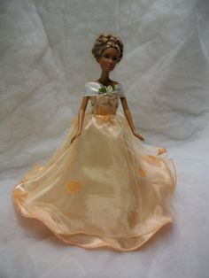 barbie puppenkleid brautkleid diy n hset schnittmuster n hen mit n hmaschine ab 9 j ein kleid. Black Bedroom Furniture Sets. Home Design Ideas