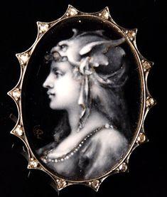 Bijoux anciens / 19e siècle / Email de Paul Grandhomme : Walkirie.