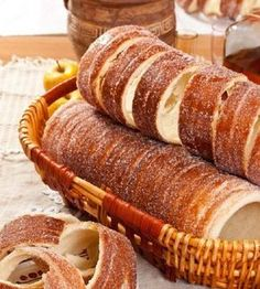 Eating a kürtőskalács (chimney cake) Hungarian Desserts, Romanian Desserts, Hungarian Recipes, Sweet Recipes, Cake Recipes, Dessert Recipes, Chimney Cake, Dessert Drinks, Cata