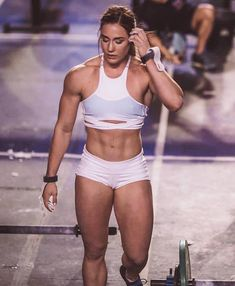 Pictures of brooke wells images). This site is a community effort to recognize the hard work of female athletes, fitness models, and bodybuilders. Crossfit Girls, Crossfit Body, Crossfit Motivation, Fit Girl Motivation, Crossfit Exercises, Crossfit Chicks, Motivation Quotes, Female Crossfit Athletes, Brooke Wells