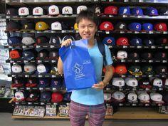 【新宿1号店】2014.09.14 ヤクルトファンのお客様にオマリーグッズをご購入いただきました。また、のご来店お待ちしております☆