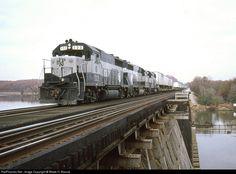 RailPictures.Net Photo: RFP 133 Richmond, Fredericksburg & Potomac EMD GP35 at Neabsco, Virginia by Wade H. Massie