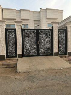 #laserart #doors #laserwork #saudiarabia #riyadh #modern #lifestyle #doors #doordesign Latest Gate Design, Modern Main Gate Designs, Iron Main Gate Design, House Main Gates Design, Front Gate Design, Door Gate Design, House Front Design, Fence Design, Modern Gates