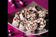 Oblíbené nepečené cukroví svojí černobílou mozaikou zdobí nejeden vánoční stůl. Wine Recipes, Baking Recipes, Dessert Recipes, Desserts, Christmas Sweets, Christmas Baking, Christmas Cookies, Ice Cream Candy, Czech Recipes