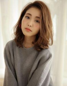 Unique Korean Short Haircut for Girls Medium Hair Cuts, Short Hair Cuts, Medium Hair Styles, Curly Hair Styles, Korean Medium Hair, Korean Short Haircut, Trendy Haircut, Asian Haircut, Haircut Style