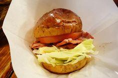 BLTバーガーそれにしても今日はいい天気ですね . #food #foodporn #meallog #burger #burger_jp #ハンバーガー # #tw #パティが見つからない #涙で前が見えない