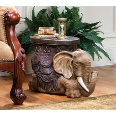 With its raised trunk, the Design Toscano Sultans Elephant Sculptural Side Table is sure to bring good fortune into your home. Deco Elephant, Elephant Table, Elephant Home Decor, Elephant Art, Elephant Rings, Elephant Decorations, Ivory Elephant, Elephant Logo, Elephant Family