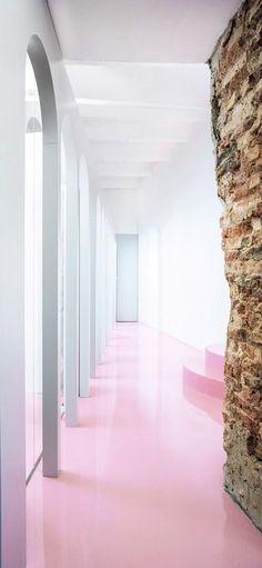 Office design by Crosby Studios - Hege in France Unique Flooring, Flooring Options, Nordic Interior Design, Minimal Living, Industrial Interiors, Partridge, White Decor, Concrete Floors, Metal Working