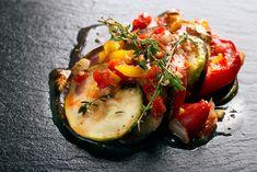 Sizilianische Auberginen-Caponata  Ein veganes italienisches Gemüsegericht, das man sowohl als Hauptspeise, als auch als Beilage zu einem Fisch- oder Fleischgericht essen kann. Eine italienische Geschmacksexplosion und gespickt mit gesunden Zutaten.  http://www.diaeten-mit-gesunder-ernaehrung.de/gesunde-rezepte/auflaeufe-pasta-seite-3/auberginen-caponata/