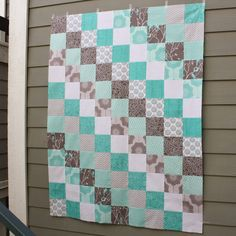 """""""Scrappy Trip Around the World"""" is a quilt pattern that, as far as I can tell, originates here . It uses a very unique piecing method i..."""