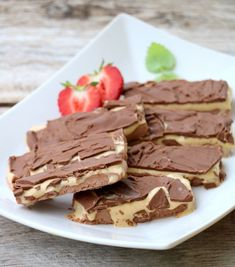 10 sommerlige, sukkerfri desserter - LINDASTUHAUG Protein Shake Recipes, Protein Shakes, Raw Food Recipes, Panna Cotta, Food And Drink, Low Carb, Keto, Sweets, Candy