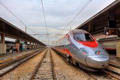 Pociąg na stacji Frecciabianca w Wenecji
