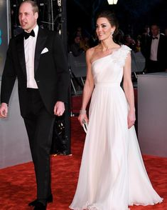 Kate Middleton has worn some stunning gowns to the BAFTAs over the years. From Alexander McQueen to Jenny Packham, see the Duchess of Cambridge's best red carpet dresses… William And Kate Marriage, William Y Kate, Prince William, Alexander Mcqueen Kleider, Vestidos Kate Middleton, Kate Middleton Dress, Helen Mirren, Jenny Packham, 10 Years