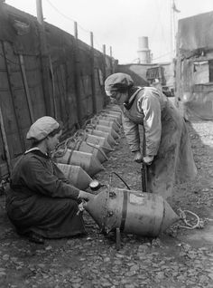 Women In Uniform During The First World War: The Women's Royal Naval Service, c. Two WRNS ratings on the quayside at Lowestoft checking the air pressure in Electric Contact mines circa Get premium, high resolution news photos at Getty Images Ww1 History, Women In History, World History, Military History, History Class, Ancient History, World War One, First World, Working Woman