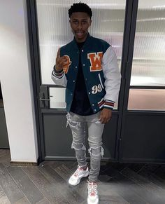 Street Style Outfits Men, Black Men Street Fashion, Dope Outfits For Guys, Swag Outfits Men, Tomboy Fashion, Streetwear Fashion, Gorgeous Black Men, Swagg, Teen Boy Clothing Styles