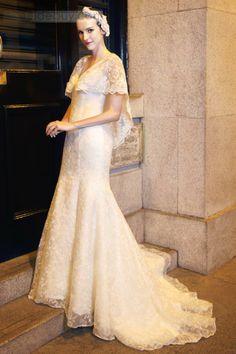 優秀なマーメイドVネックショートレースSleevsコートトレインレースウェディングドレス