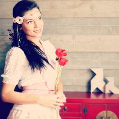 Headband mariage romantique et rétro, fleurs rose poudré et dentelle ancienne.