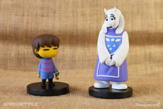 Caretaker of the Ruins. - inches tall - Hand-painted, injection-molded vinyl - Removable base - Packaged in a windowed collectors box This official UNDERTALE figurine was modeled by Gijs van Kooten and produced by our friends at Happy Worker. Diy Clay, Clay Crafts, Undertale Toriel, Lesser Dog, Pokemon, All Video Games, Toby Fox, Kawaii Cute, Costumes