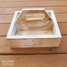 Free woodworking plans and tutorial to build a simple DIY square caddy with a handle. Great project for beginner woodworkers! Silverware Caddy, Plastic Silverware, Woodworking Plans, Woodworking Projects, Brad Nails, Hand Saw, Wood Glue, Desk Organization, Just Giving