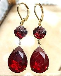 Ruby Earrings Parisian Romance Ruby Red Earrings Parisian Romance Ruby Red Earrings Prada's new jewelry is gorgeous, gorgeous, gorgeous Yossi Harari Lilah Red Jewelry, I Love Jewelry, Antique Jewelry, Jewelery, Jewelry Accessories, Jewelry Box, Diamond Jewelry, Ruby Earrings, Gemstone Earrings