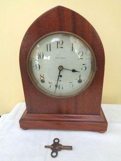 Antique-SETH-THOMAS-Beehive-GOTHIC-Style-Mantel-Shelf-Clock-Mahogany-Works