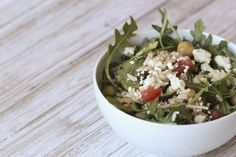 This salad is budget-friendly and full of fresh flavors. #freshrecipe #greekbrownricesalad #summerrecipes