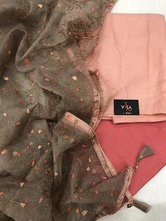 New arrivals in Salwars – VIKA Boutique Stylish Dresses For Girls, Stylish Dress Designs, Designs For Dresses, Simple Pakistani Dresses, Pakistani Dress Design, Indian Dresses, Indian Outfits, Cotton Saree Designs, Sari Blouse Designs