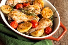 Oven baked chicken legs with vegetables (tomatoes, potatoes), herbs and spices in baking dish on rustic wooden background Chicken And Chips, Chicken Spices, Oven Baked Chicken Legs, Sundried Tomato Chicken, Turkish Recipes, Ethnic Recipes, Great Recipes, Healthy Recipes, Healthy Food