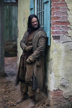 """The actor [Shane West] wears leather that looks naturally aged. The coat has hand stitching all through it."" -Porro, Hollywood Reporter   Salem - Season 1 Episode 4"