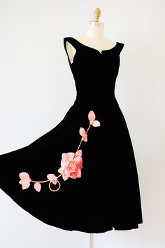 vintage 1950s black velvet party dress with pink roses - to die for!