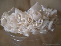 Precioso tocado-tiara para novia