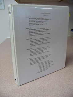 Staying organized for LDS Primary choristers! Great tips for creating a handy dandy folder that can keep choristers organized all year.