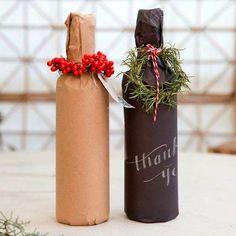 Масса идей как упаковать бутылку в подарок! Три мастер-класса по упаковке в бумагу, как сделать чехол из рукава свитера, рубашки и даже носка!Не пропустите!